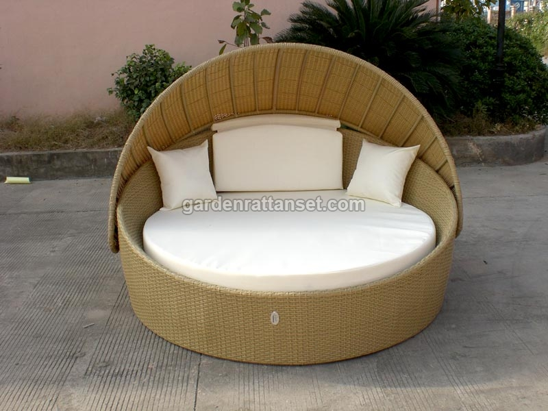 costco daybed outdoor 1