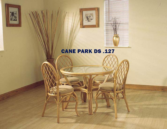 Cane Dining Table Set Manufacturer amp Manufacturer from  : wooden dining sets 756427 from www.exportersindia.com size 713 x 550 jpeg 52kB
