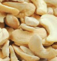 Cashew Kernels - Scorched Pieces
