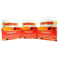 Face Body Scrub With Walnut & Apricot