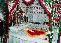 Bed Flower Decoration Service