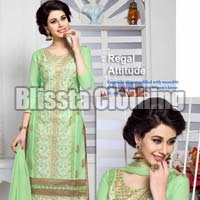 Fashionable Girls Ethnic Wear