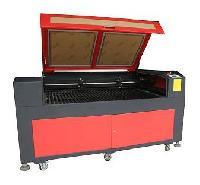 CO<sub>2</sub> Laser Cutting Machine (LE204)