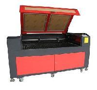 CO<sub>2</sub> Laser Cutting Machine (LE205)