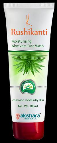 Rushikanti Moisturizing Aloe Vera Face Wash
