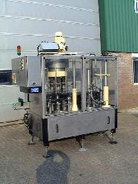 Capper Machine
