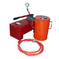 Hydraulic Jack With Pump