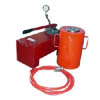 Hydraulic Jack With Pump