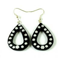 A Pair of Black Coconut Fake Gauge Wood Treditional Wooden Earrings