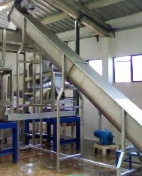 Screw Elevator - Process Masters Equipment (I) Pvt Ltd