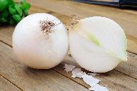 white organic onion
