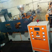 accumulator blow molding machine