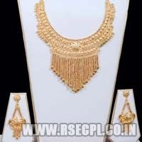 Fashion Necklace Set with Earrings