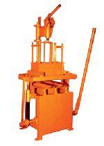 Concrete Block Machine - Manufacturer, Exporters and Wholesale Suppliers,  Gujarat - Shree Vishwakarma Engineering