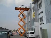 Car Lifting Machine