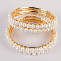 Dd Pearls Mumbai Round Freshwater White Color Pearls Bangles