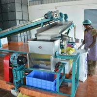 manufacturing coconut powder