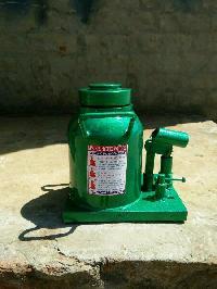 Hydraulic BOLTTLE jack (100 ton)