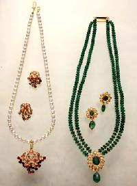 Pearl Necklace Set - 10