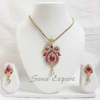 Trendy Pendant Set
