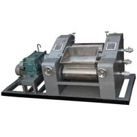 Triple Roller Mill Machine