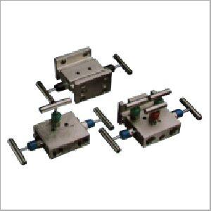 Custom Manifolds