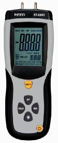 Digital Manometers