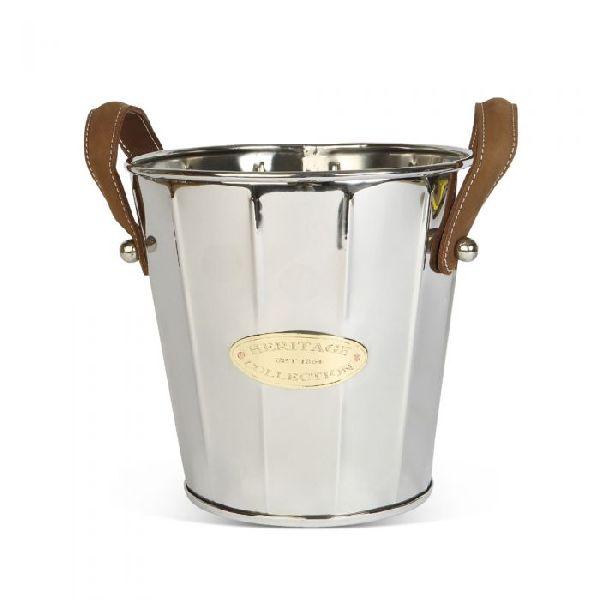 fancy handle  bucket