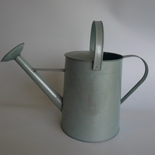 METAL VINTAGE FINISH WATERING CAN