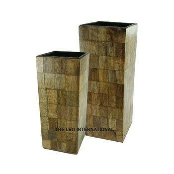 Square shape wooden vase