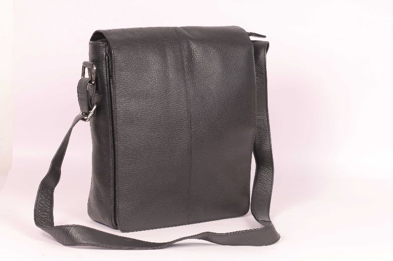 28f8496fdc8e Side Bag Manufacturer in KOLKATA West Bengal India by HSM LEATHERS ...