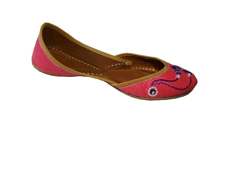 """Pagarkhi"" Bell Pink Designer Handmade Leather Juti"