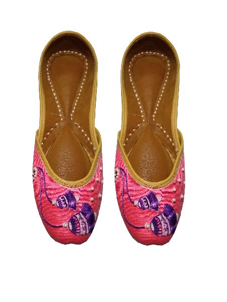 """Pagarkhi"" Bell Pink Designer Handmade Leather Juti (Pagarkhi/June/03)"