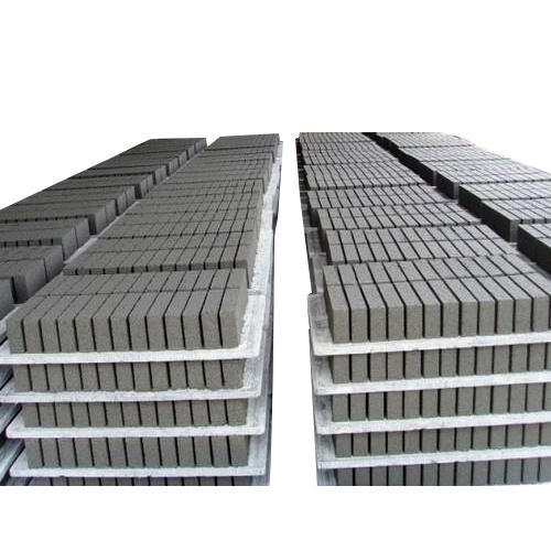 No Control Smooth Plastic Brick Pallet