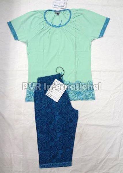 Teenage Girls Knitted Pyjama Set