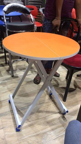 Multipurose portable round folding table