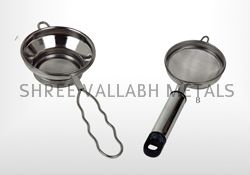 Stainless Steel Tea Strainer (SVM - 101712)