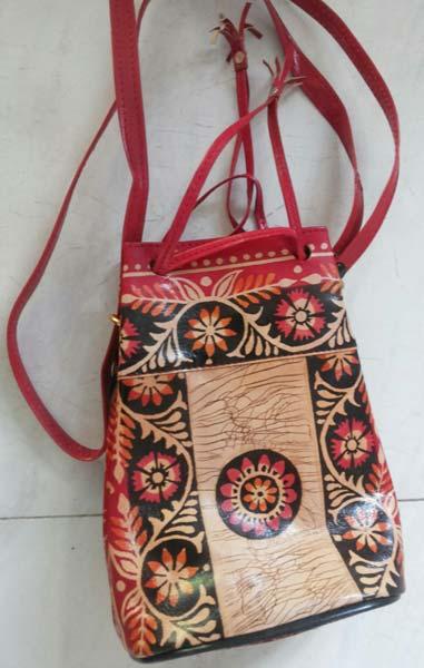 edec0e0ec5 Shantiniketan Leather Botua Bags Manufacturer   Manufacturer from ...