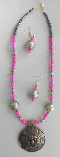 Plastic Beads Necklace Set