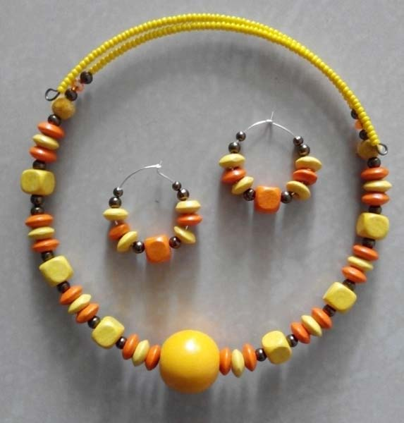 Wooden Necklace Set (WBCPN)