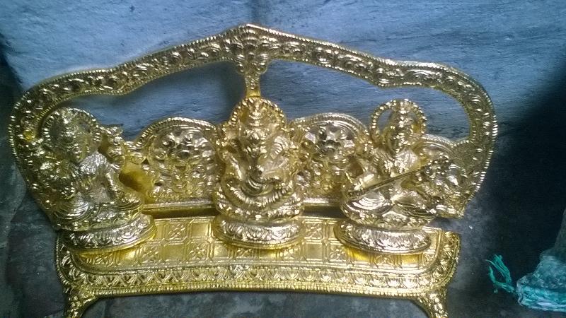 White Metal Handicrafts Manufacturer In Uttar Pradesh India By H M