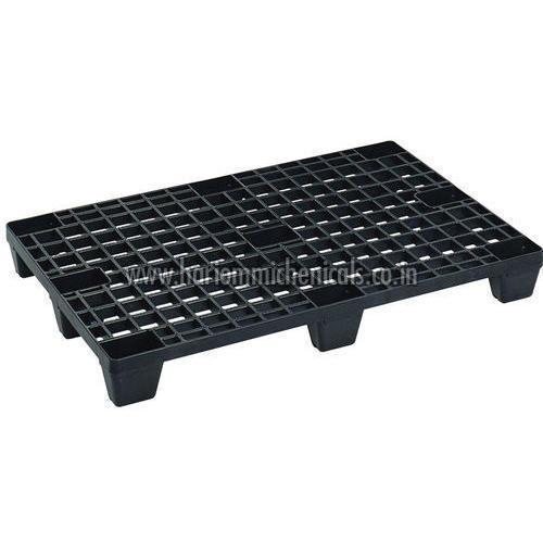 Black Plastic Pallets