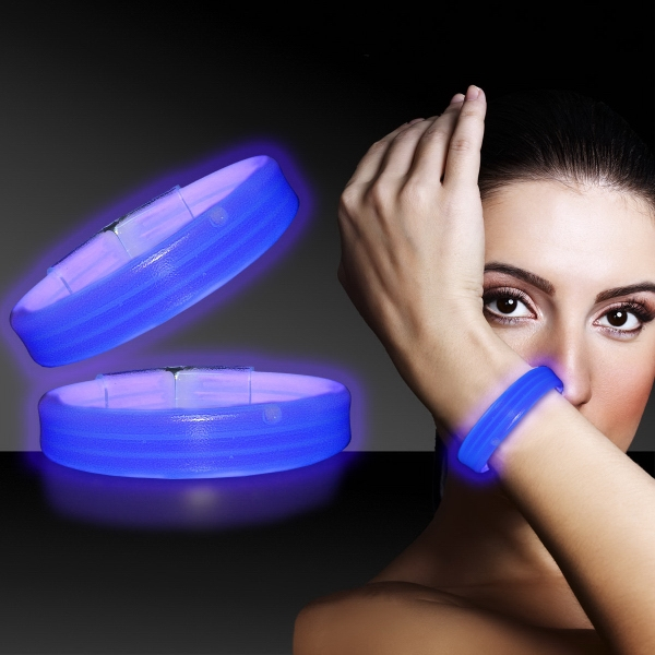 "Blue 9"" Deluxe Triple Wide Light Up Glow Bracelet"