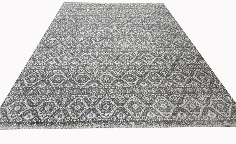 Durable Handmade Cut Pile Wool Rug (UDWOO542)
