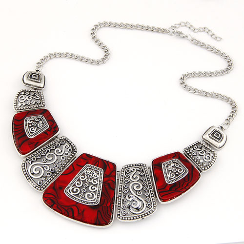 simple geometric fashion metal fan short necklace
