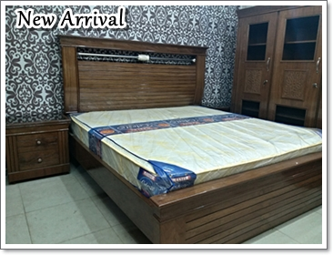 Walnut Wood Bedroom Set Manufacturer In