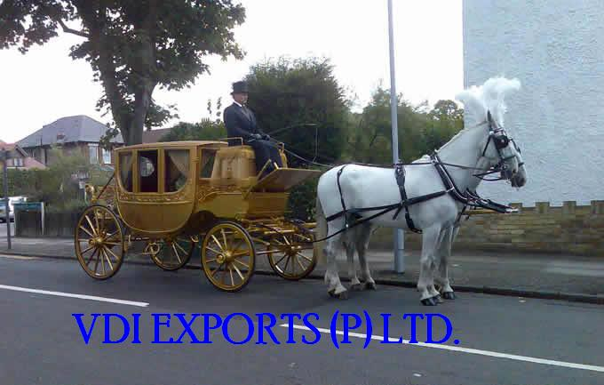 Royal Wooden Carved Horse Drawn Carriage Manufacturer