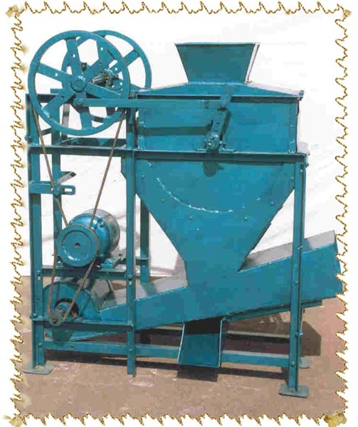 Groundnut Decorticator (Groundnut Decorticat)