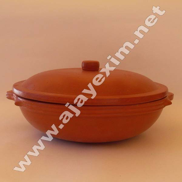 Clay Frying Pan with Lid