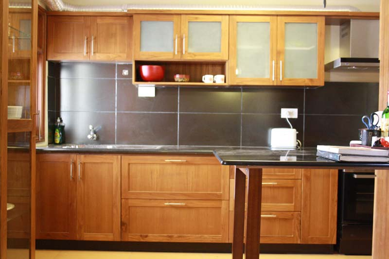 Modular kitchen cabinets manufacturer in kottayam kerala for Modular kitchen shelves designs